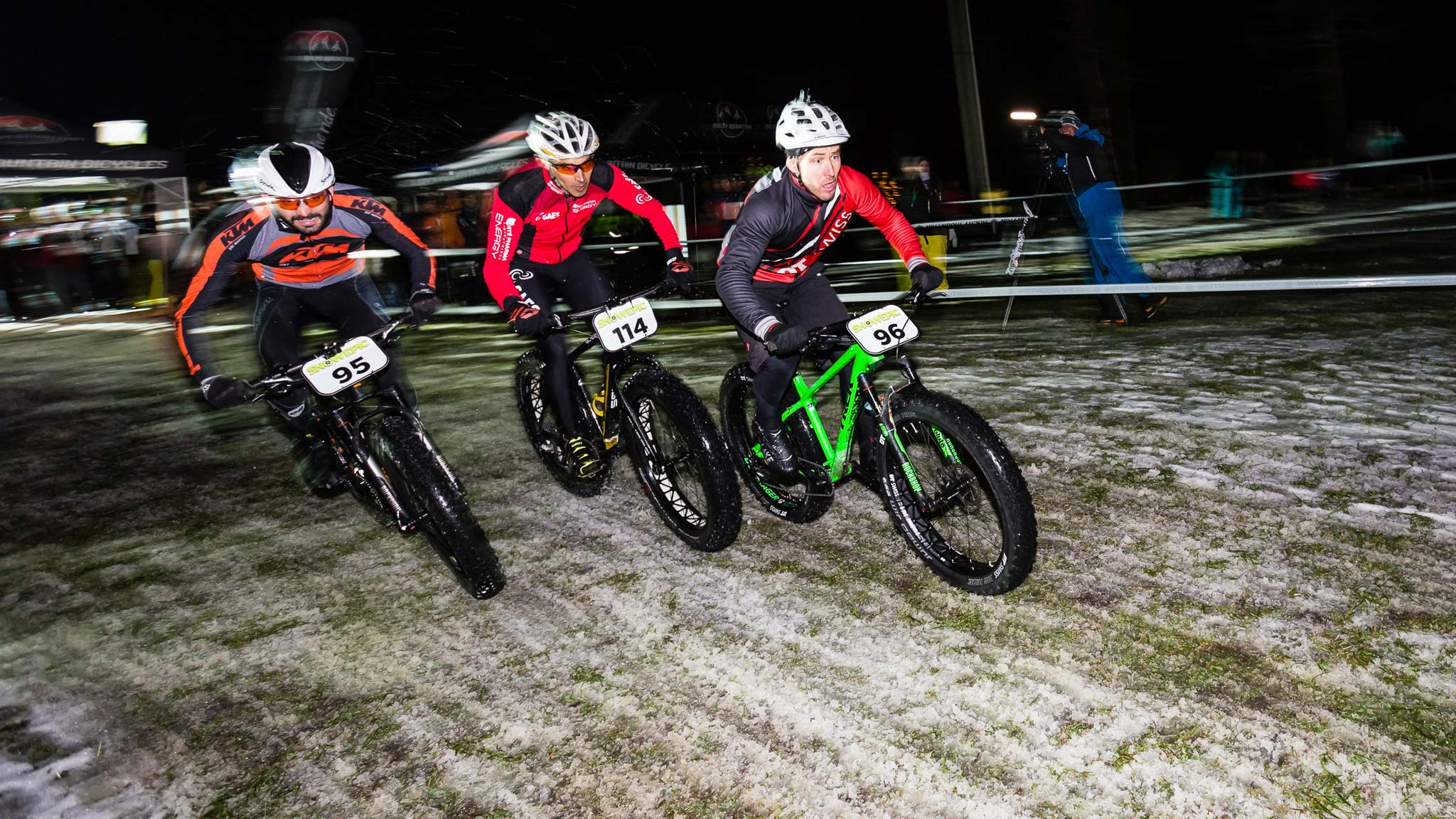 Snow_Epic_2015_Night_Ride_Copyright_SnowEpic_VojoMag-3