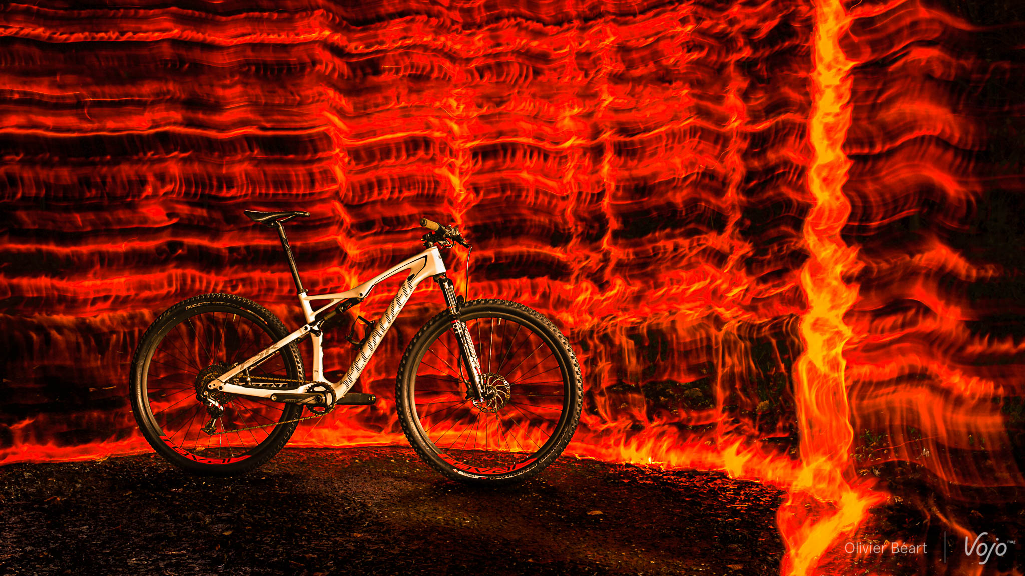 Specialized_Epic_Expert_WorldCup_Fire_Copyright_OBeart_VojoMag-2