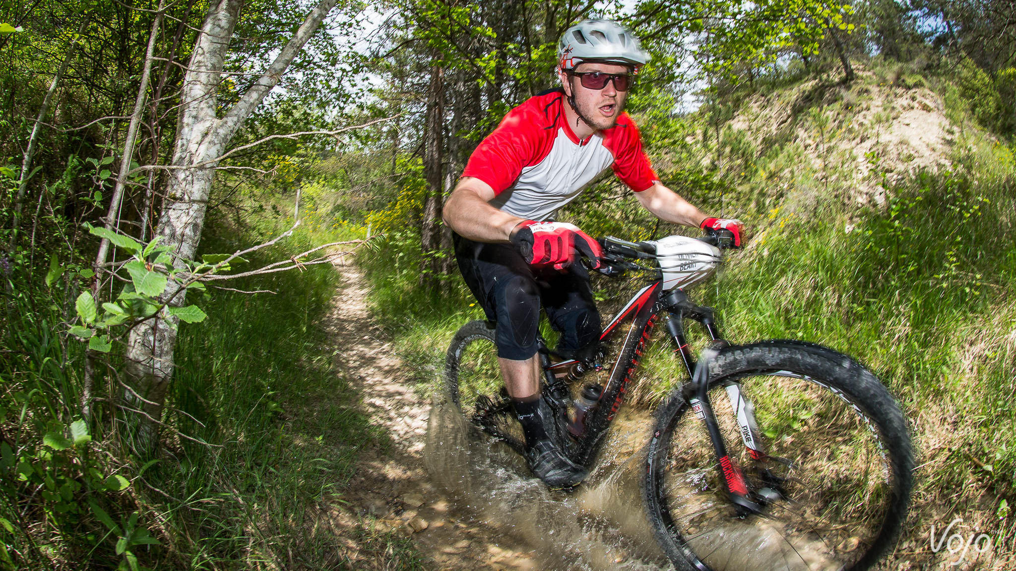 Specialized_Stumpjumper_Action_Copyright_Manu_Molle_VojoMag-7