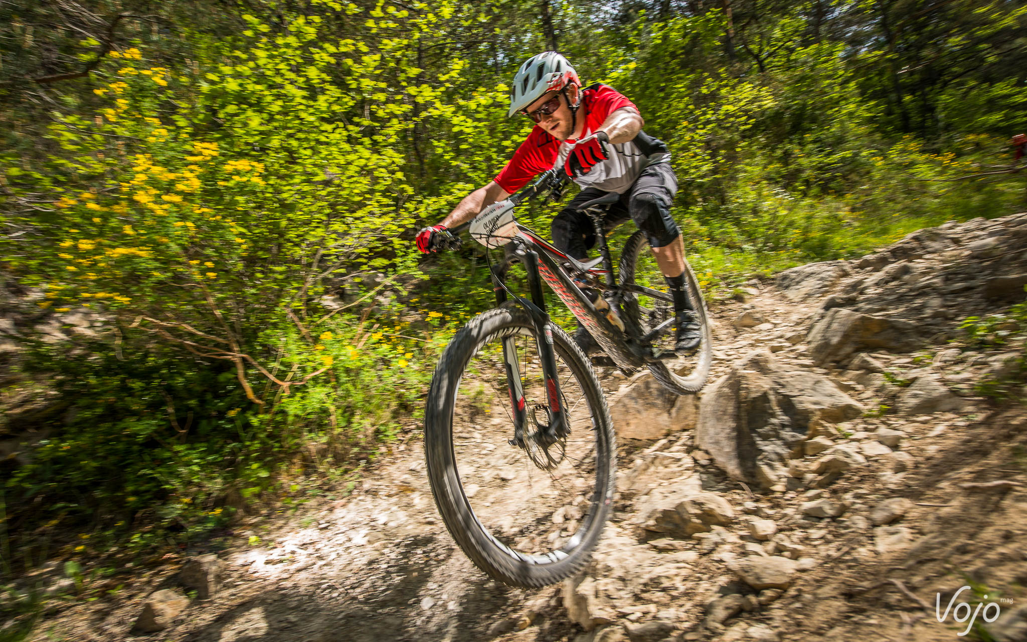 Specialized_Stumpjumper_Action_Copyright_Manu_Molle_VojoMag-8
