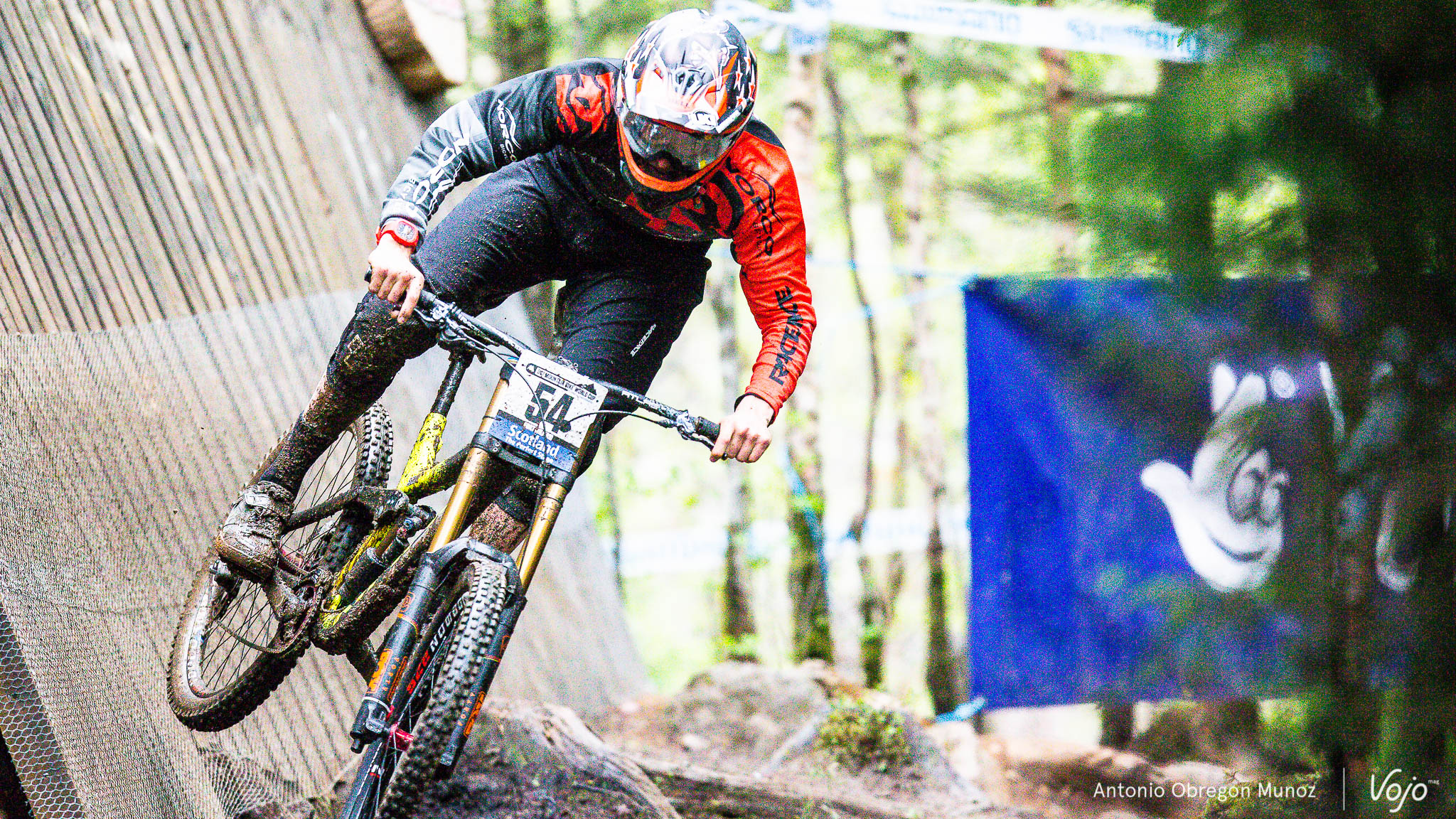 Fort_William_UCI_World_Cup_DH_2015_(Hommes_Femmes)_(Blenki)_Copyright_Antonio_Obregon_VojoMag-14