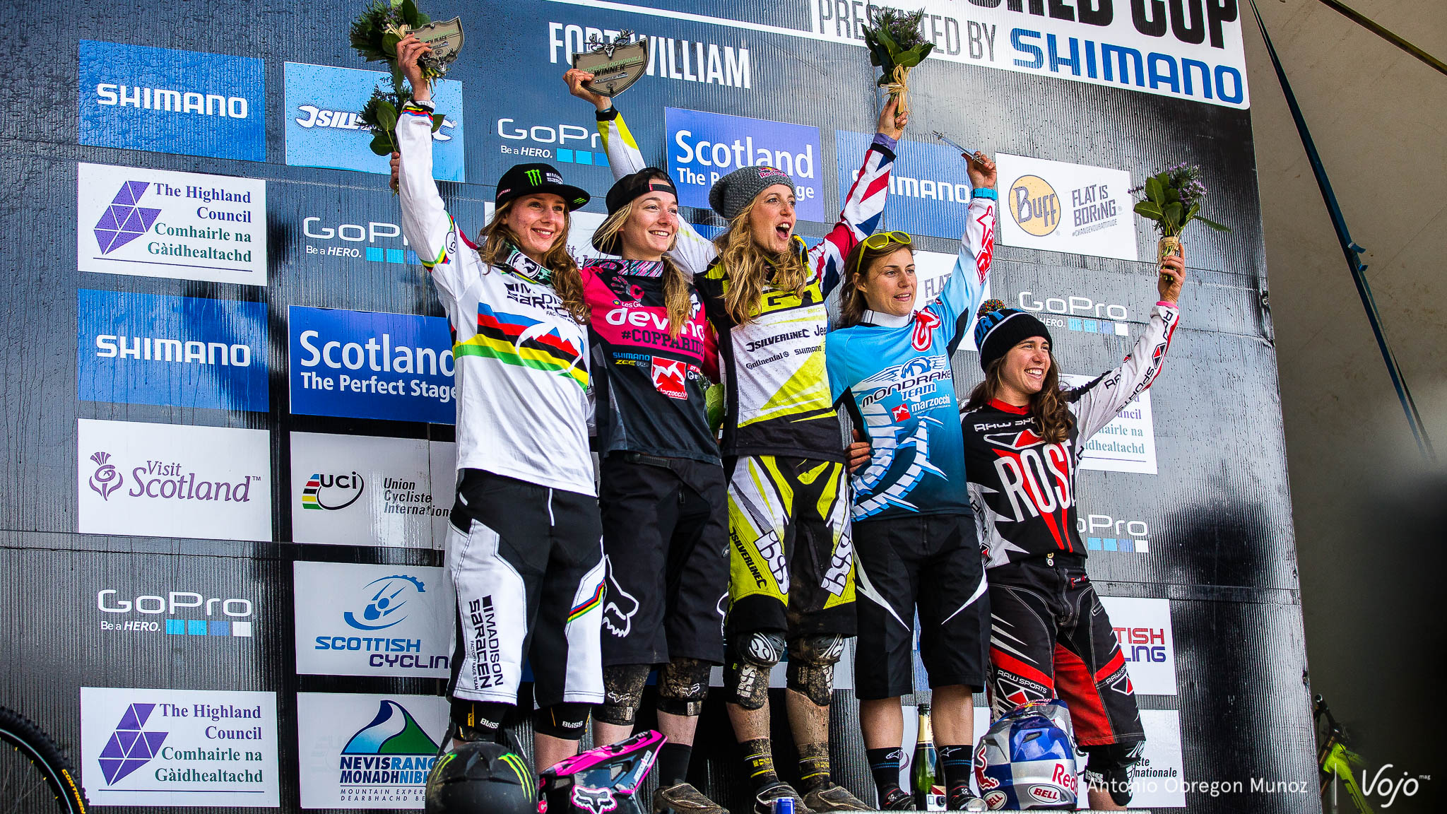 Fort_William_UCI_World_Cup_DH_2015_(Podium_Femmes)_Copyright_Antonio_Obregon_VojoMag-5