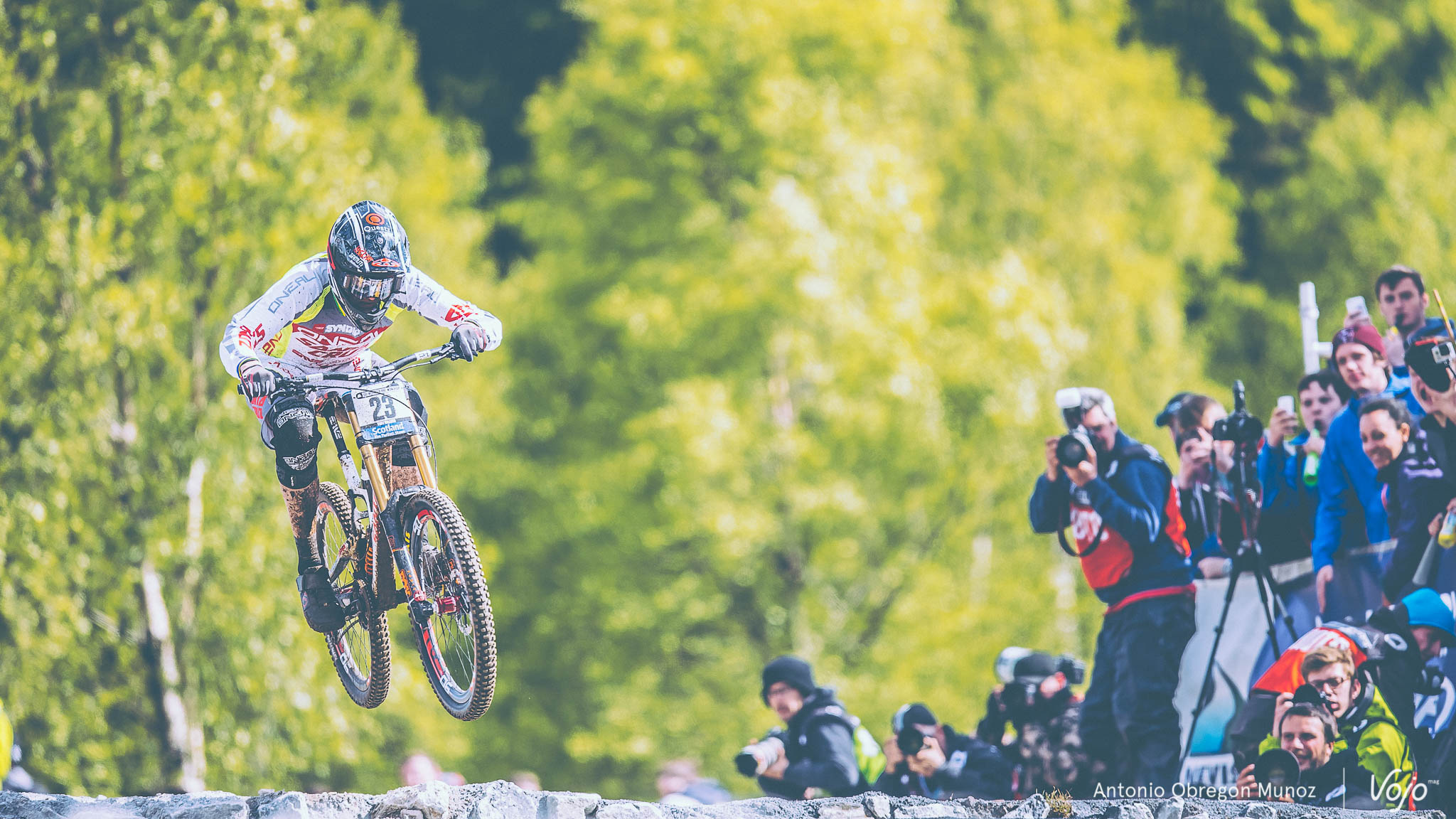 Fort_William_UCI_World_Cup_DH_2015_(finales_Homme_Femme)_Copyright_Antonio_Obregon_VojoMag-3