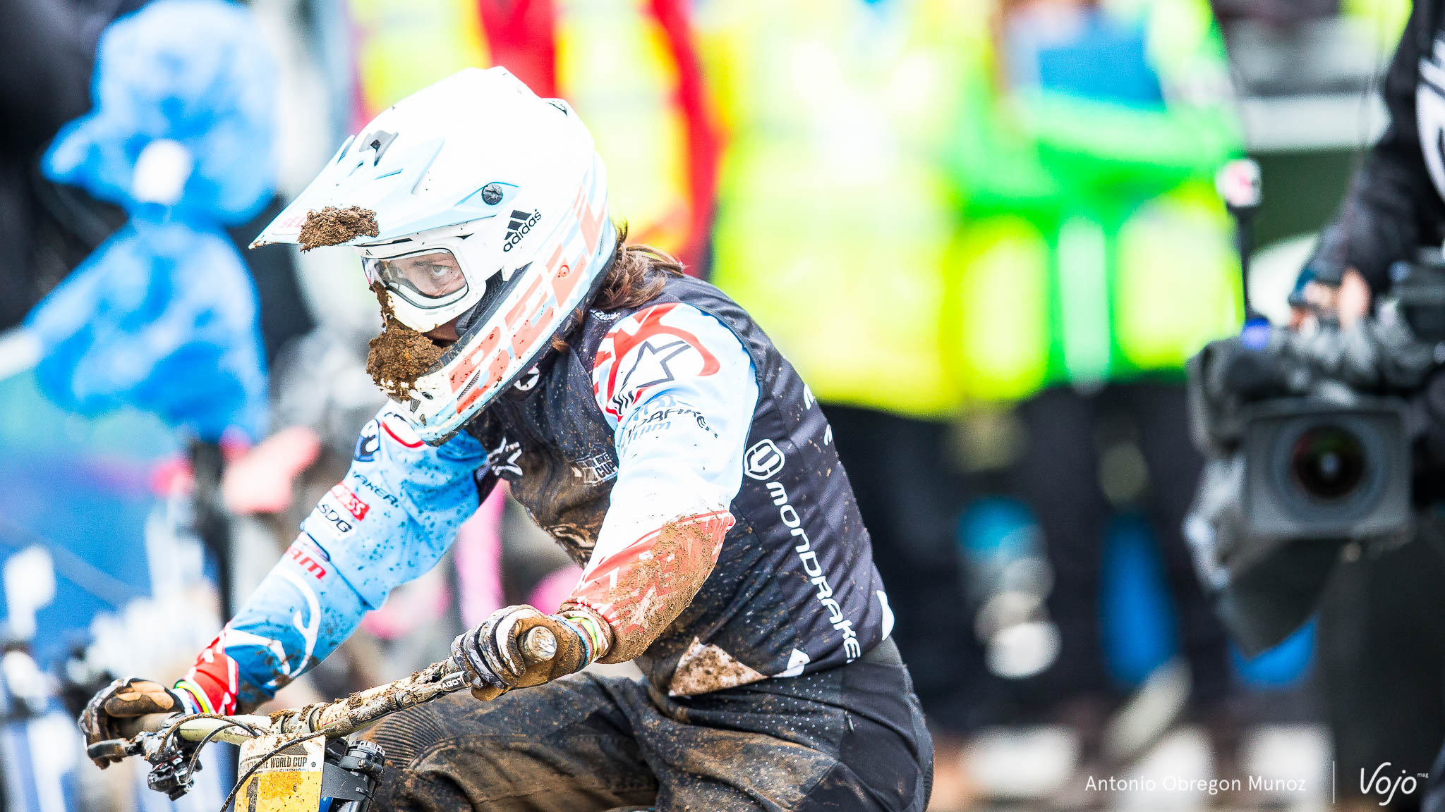 Fort_William_UCI_World_Cup_DH_2015_(finals_Femmes)_(EmmelineRagot)_Copyright_Antonio_Obregon_VojoMag-5