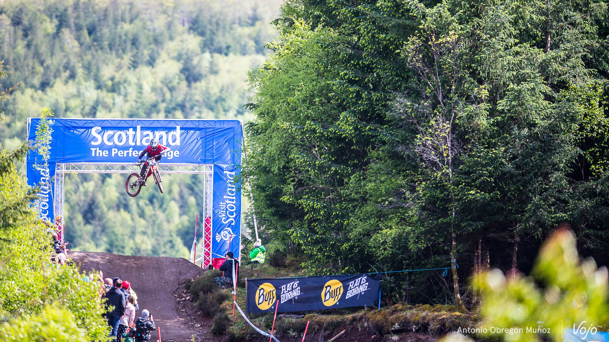 Fort_William_UCI_World_Cup_DH_2015_(finals_Hommes)_(JoshBryceland)_Copyright_Antonio_Obregon_VojoMag-8