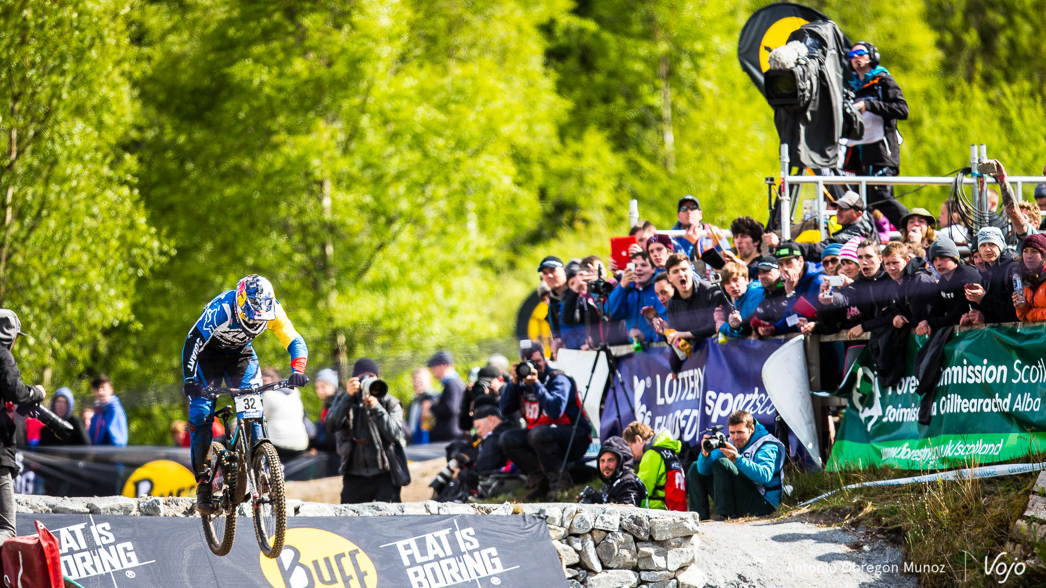 Fort_William_UCI_World_Cup_DH_2015_(finals_Hommes)_(MarceloGutierrez)_Copyright_Antonio_Obregon_VojoMag-11