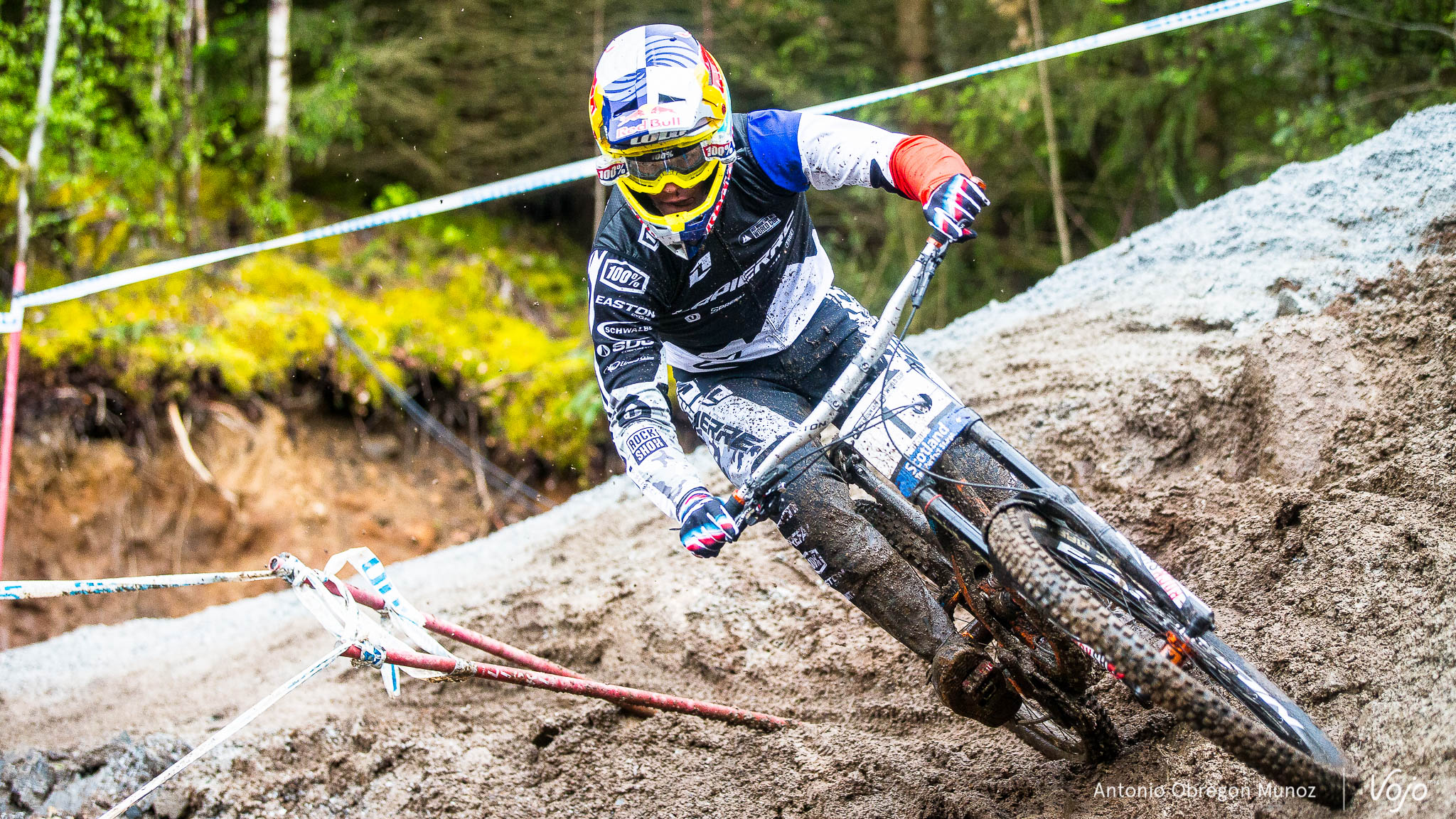Fort_William_UCI_World_Cup_DH_2015_(qualif_Hommes)_(LoicBruni)_Copyright_Antonio_Obregon_VojoMag-5