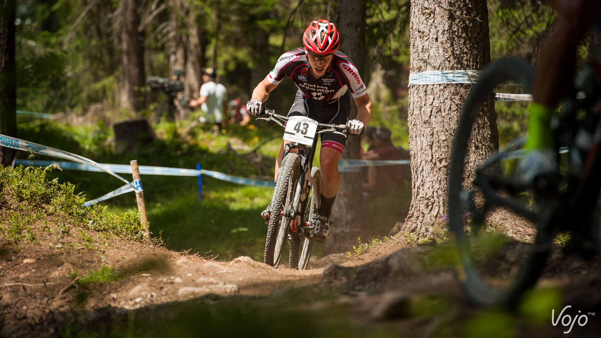 Light-WorldCup-Lenzerheide-2015-XCO-Hommes-3