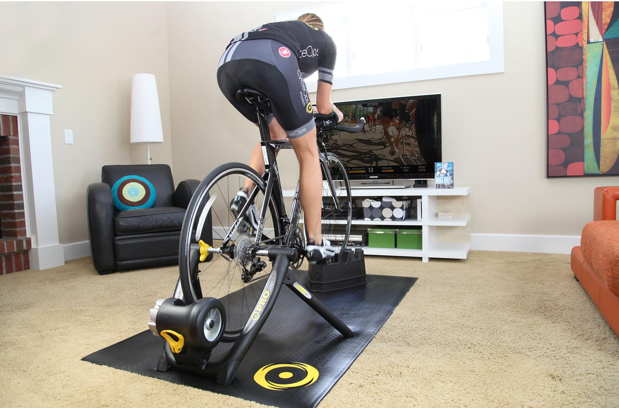 cycleops-b-jet-fluid-pro-turbo-trainer-winter-training-kit