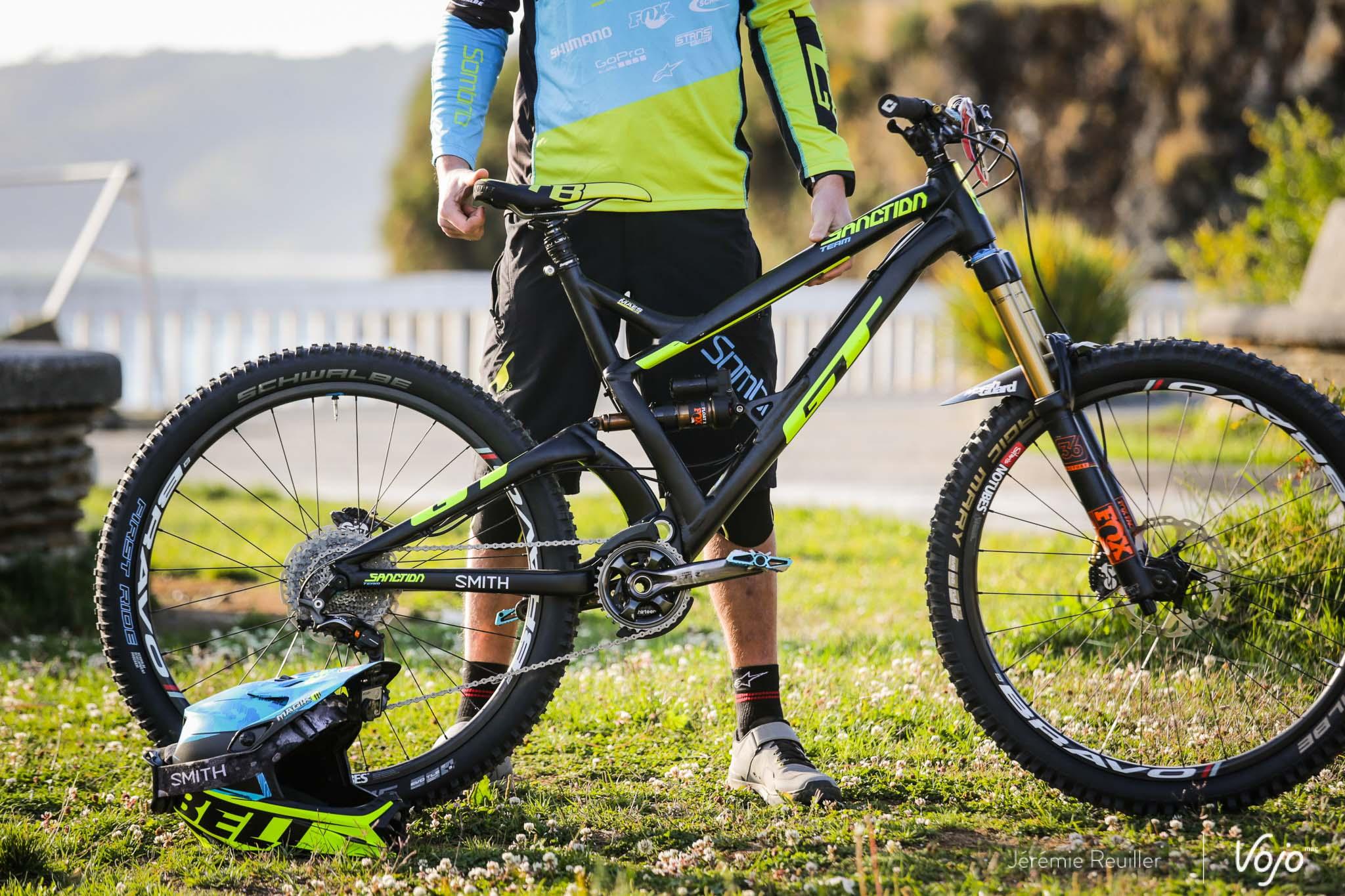 Bike_Check_EWS_Martin_Maes_Copyright_Reuiller_Vojomag-1-2