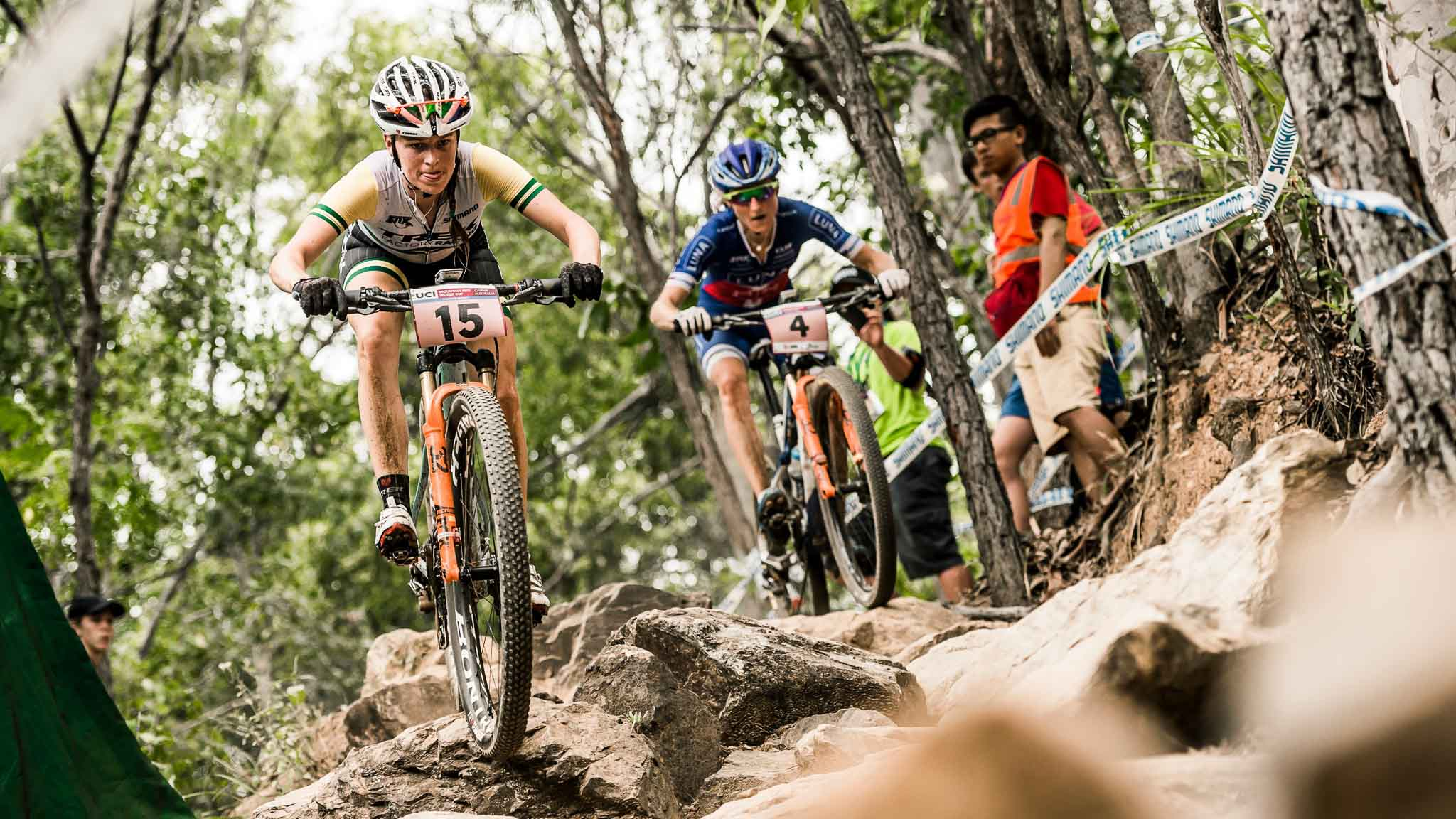 Rebecca Henderson performs at the UCI XCO World Tour in Cairns on April 24th 2016 // Bartek Wolinski/Red Bull Content Pool // P-20160424-00204 // Usage for editorial use only // Please go to www.redbullcontentpool.com for further information. //