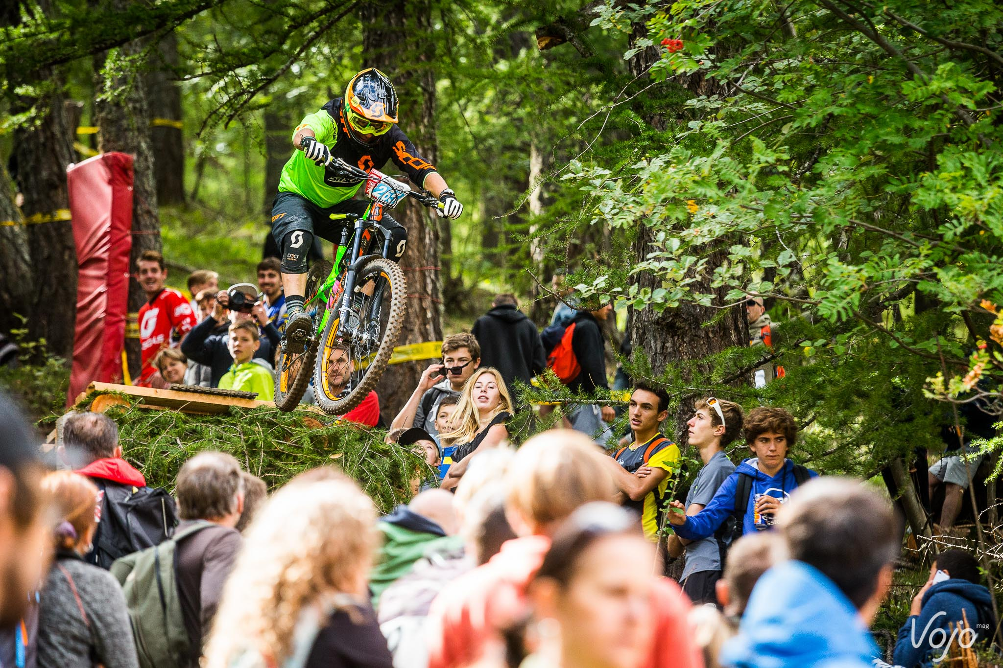 ews_valberg_sam_hill_podium_2016_copyright_vojomag-1-2