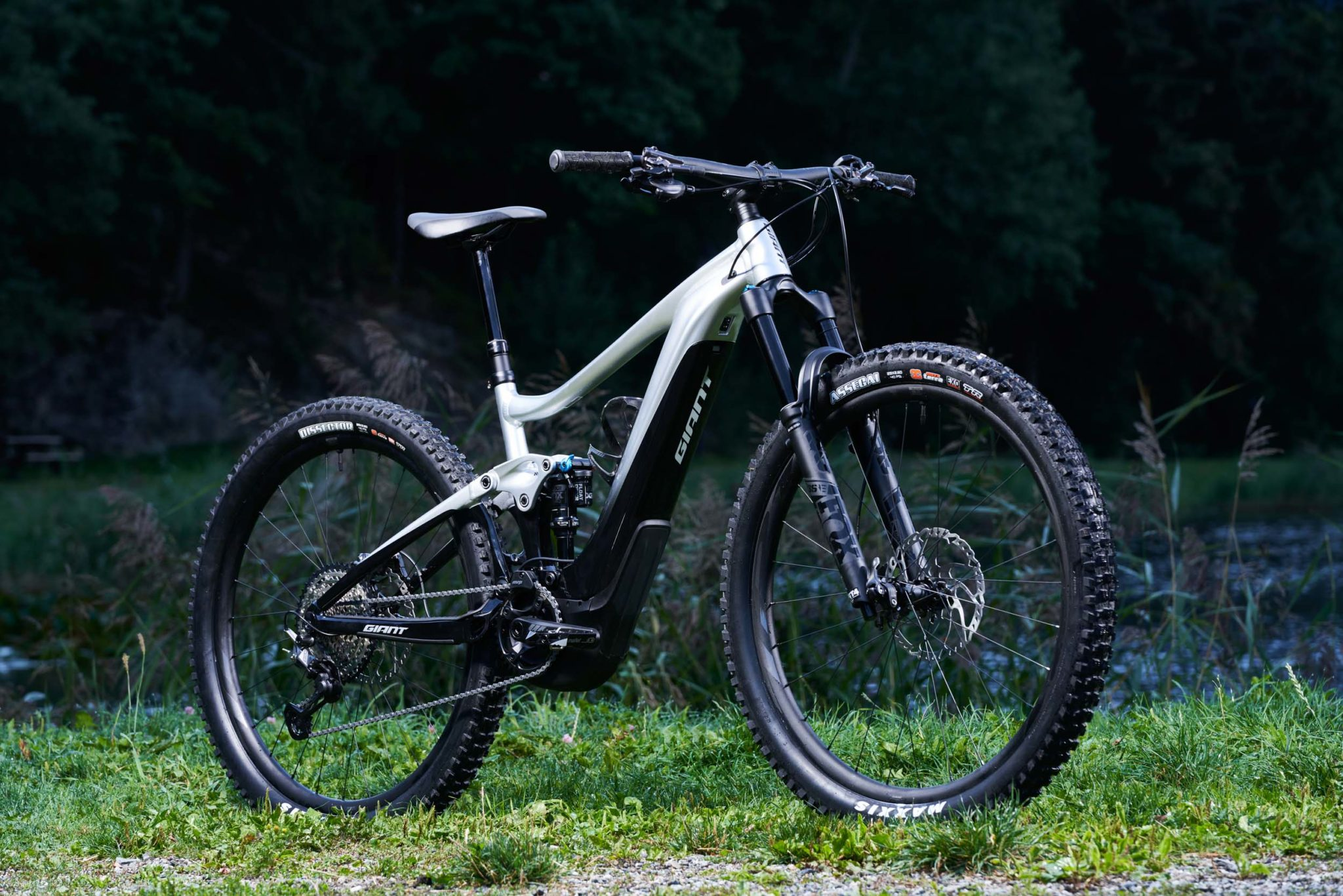 Vélo Giant Trance X E+  Giant-TranceXE-essai-Cprght-Droz-Vojomag-1-2048x1366