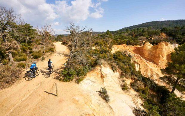 Découverte   Route, chemin, single : deux jours de gravel pour un tour du Luberon